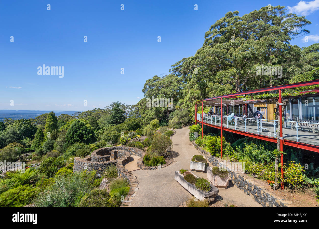 Visitor Centre and Restaurant at the Blue Mountains Botanic Garden, Mount Tomah, the 128 hectare public garden, 1000 m above sea level specializes in  - Stock Image