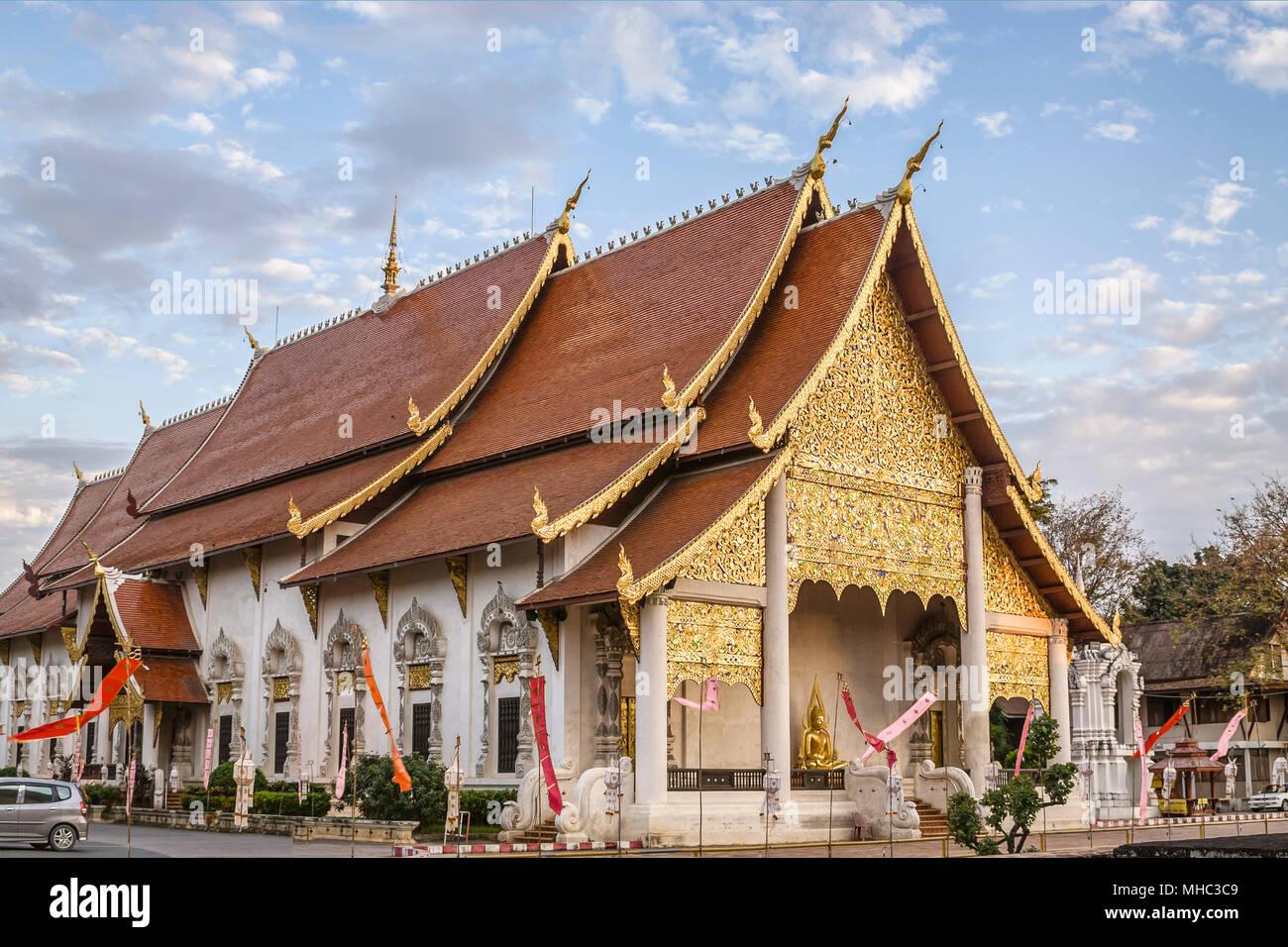 Wat Chedi Luang, Chiang Mai, Northern Thailand | Wat Chedi Luang, Chiang  Mai, Nordtailand - Stock Image