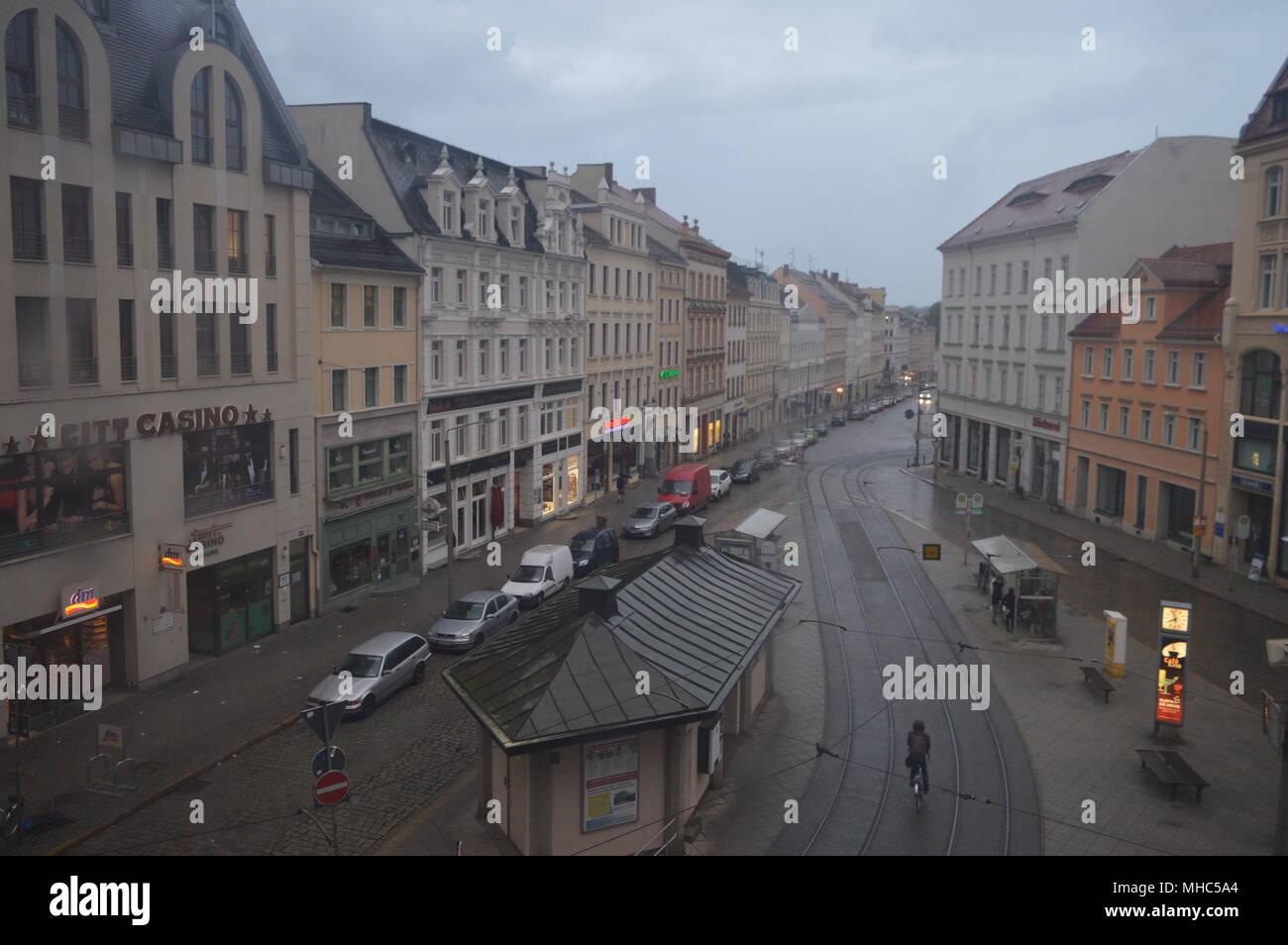 blick aus dem jugendstil kaufhaus stoecker goerlitz nach dem demianiplatz - Stock Image