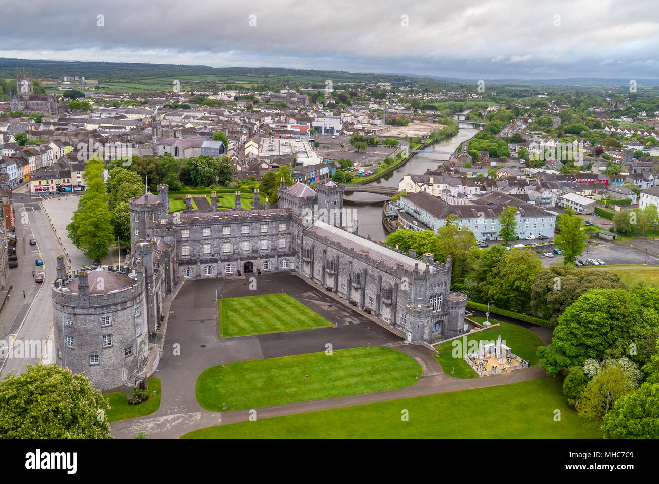 7b5901262e Aerial view of Kilkenny Castle and the river Nore running along side