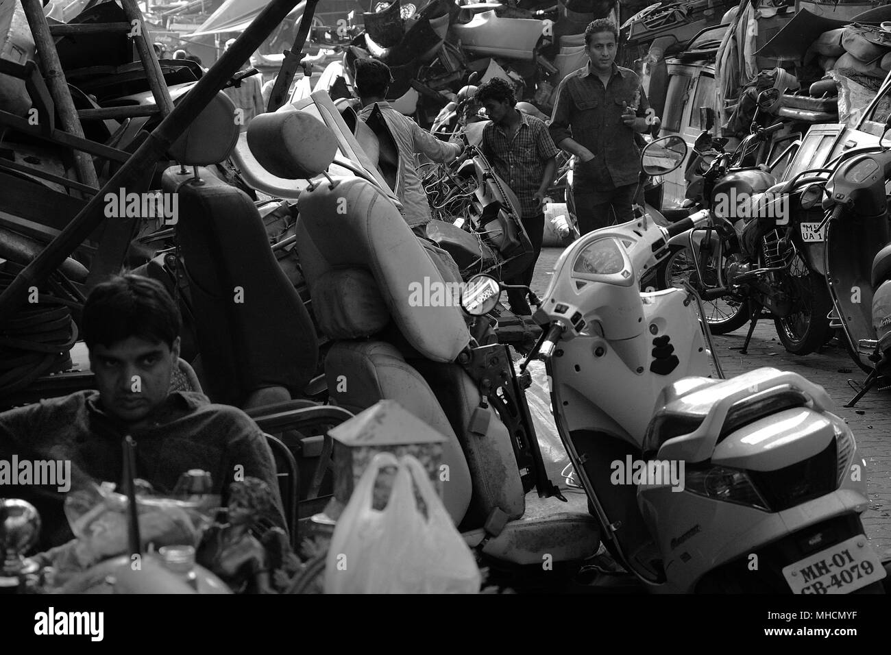 Stalls selling car parts in the Chor Bazaar, Thieves Market, in ...