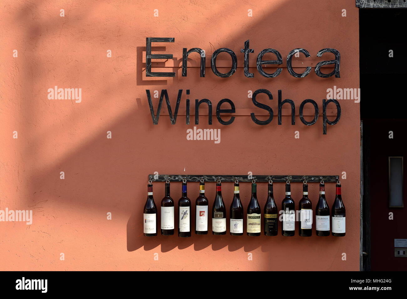 Front of a wine-tasting bar in Barolo, Italy. - Stock Image