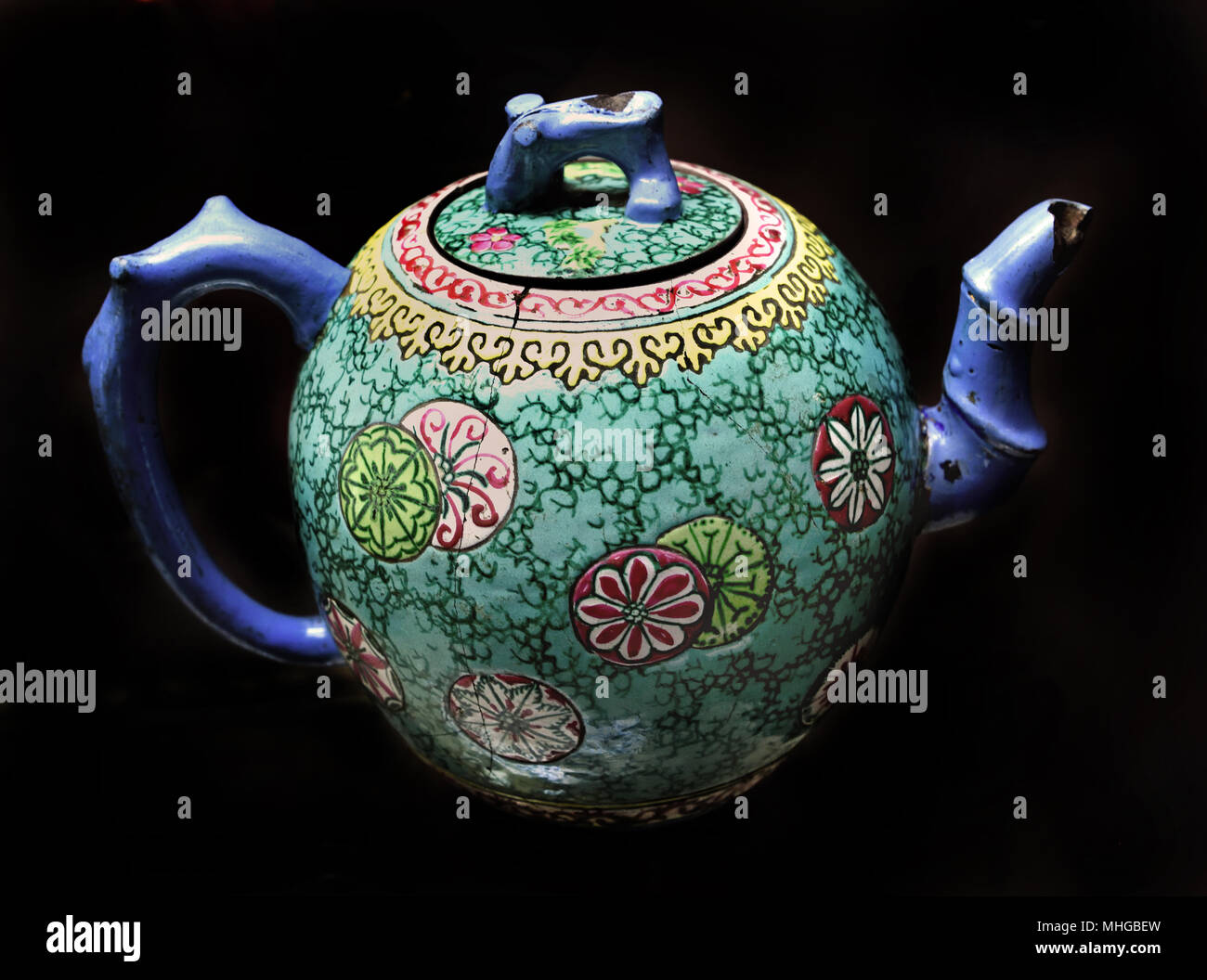 Teapot mid 19th Century  China Chinese Porcelain - Stock Image