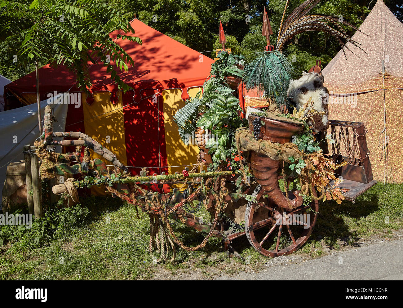 Wooden Medieval Barrow with Plants and Drinking Horn, Kaltenberg Ritterspiele, Knight Festival - Stock Image