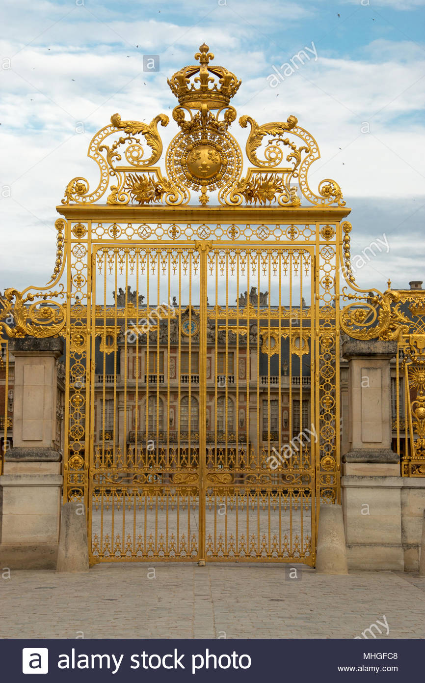 Entrance gate at the Palace of Versailles - Stock Image