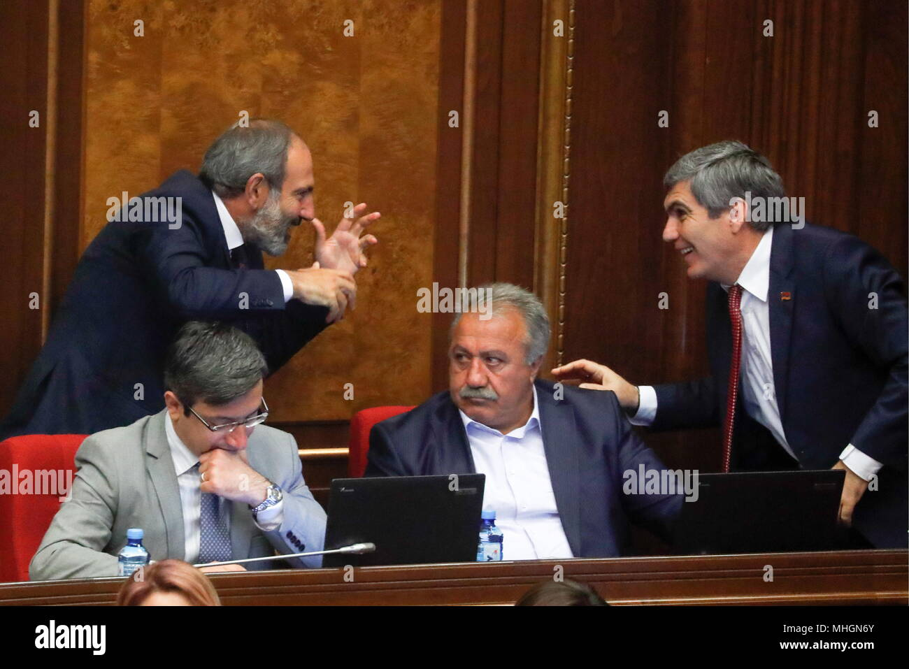 armenian parliament 2018 pashinyan ile ilgili görsel sonucu