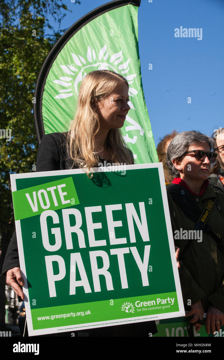 London, UK. 1st May 2018. Sian Berry, Green Party London Assembly Member, attends the launch of the Green Party's Clean Air Bill by Jenny Jones, Green Party representative in the House of Lords, and Jonathan Bartley, Co-leader of the Green Party. The Green Party have announced three policy pledges and are focusing in particular on tackling the toxic impact of air pollution on children. Credit: Mark Kerrison/Alamy Live News - Stock Image