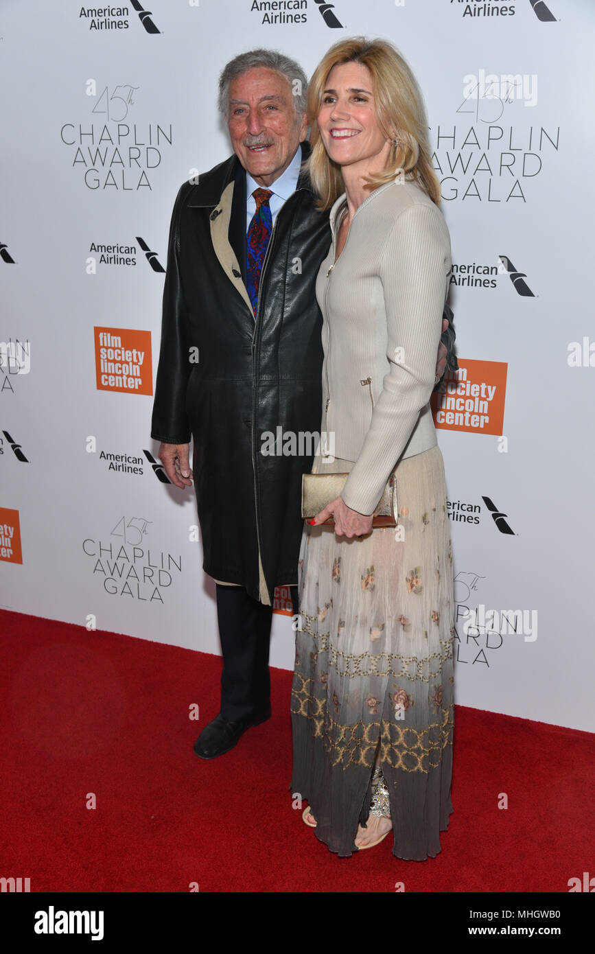 Tony Bennett and Susan Crow attends the 45th Chaplin Award Gala at Alice Tully Hall, Lincoln Center on April 30, 2018 in New York City. - Stock Image