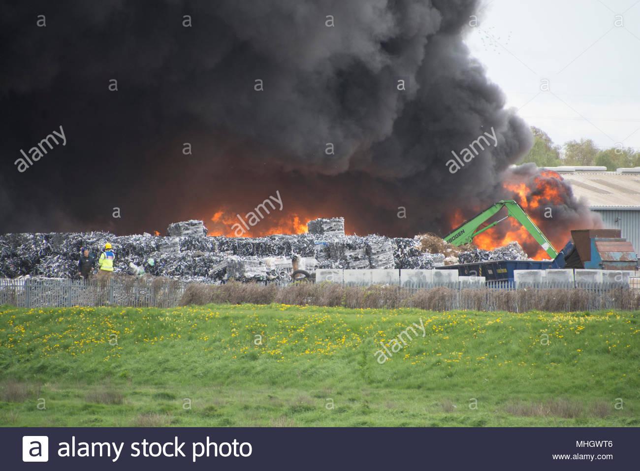 Sandycroft, Deeside, UK. 1st May, 2018. Recycling plant fire. Sandycroft, Deeside Credit: Lee Doherty/Alamy Live News Stock Photo