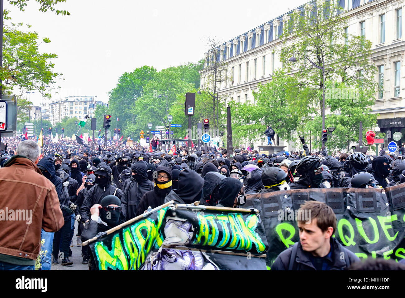 Paris, France. 1st May 2018. Paris police clash with protesters as demonstrations turn violent. Credit: Peter Manning/Alamy Live News Stock Photo