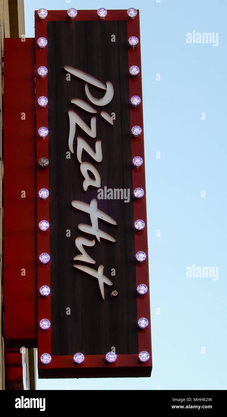 Pizza Hut Company Sign Stock Photos Pizza Hut Company Sign Stock