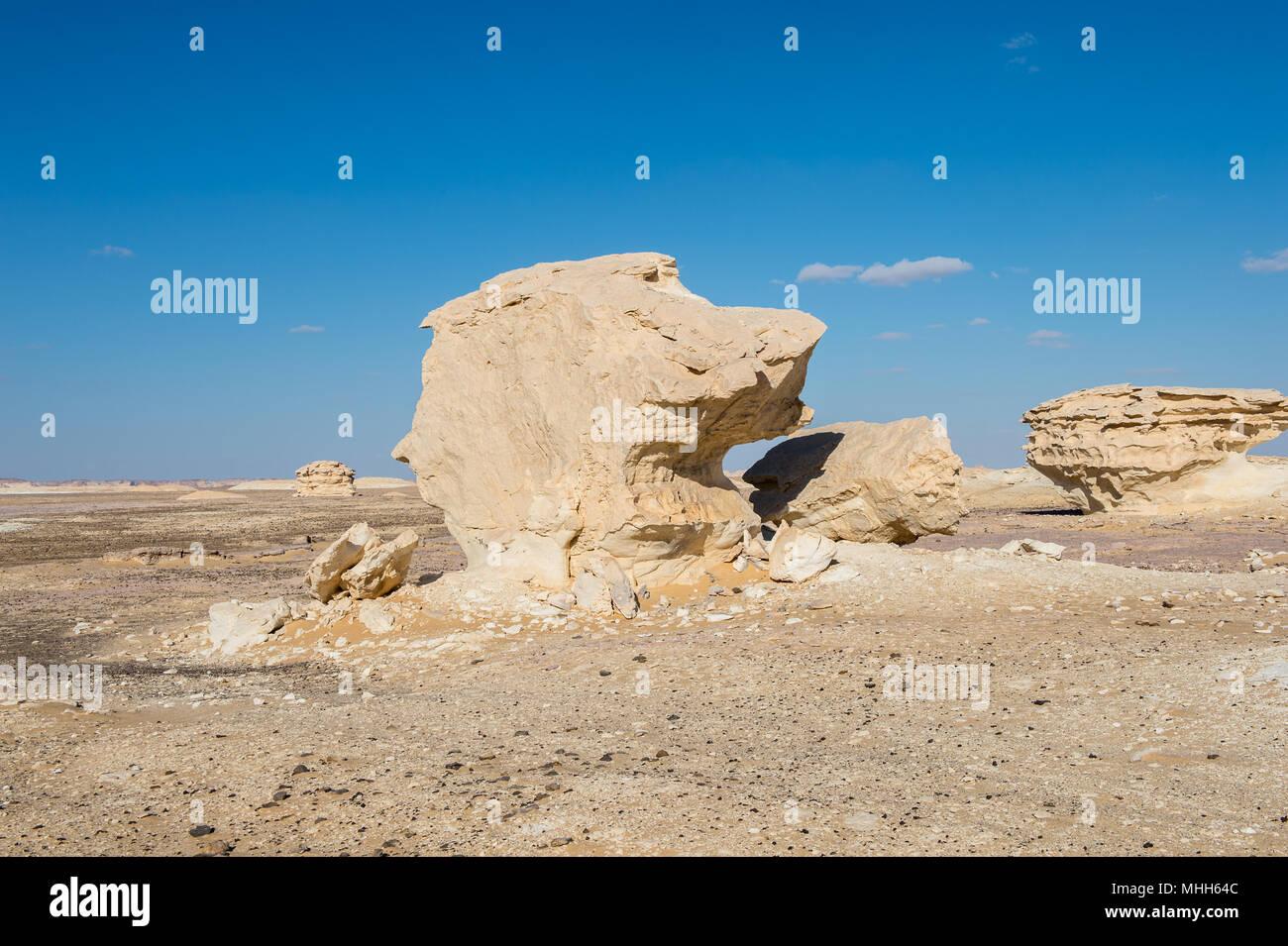 Mushroom rock formations at the Western White Desert of Egypt - Stock Image