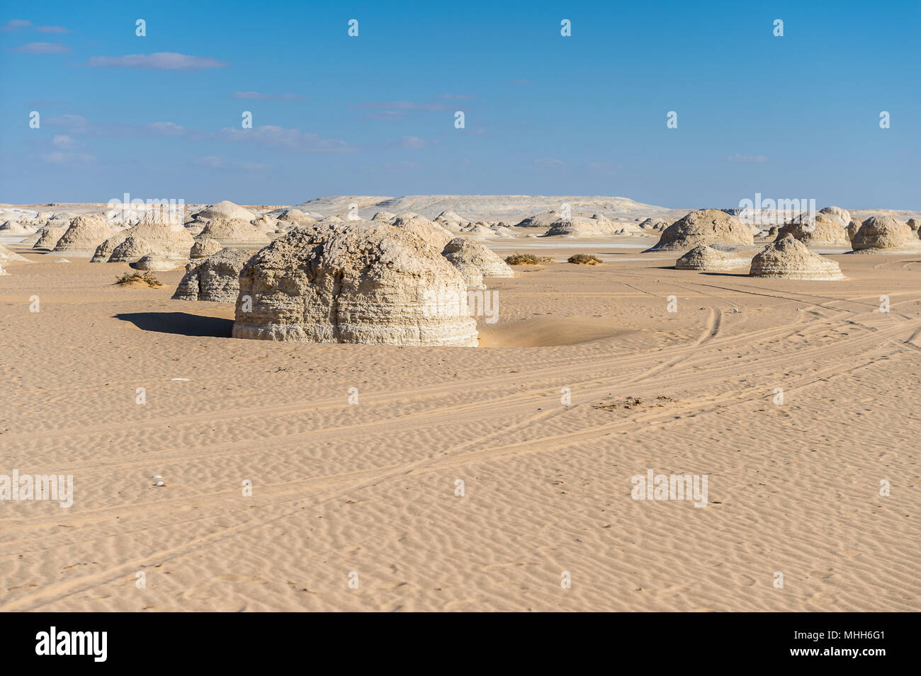 White desert formations at the white desert in Egypt - Stock Image