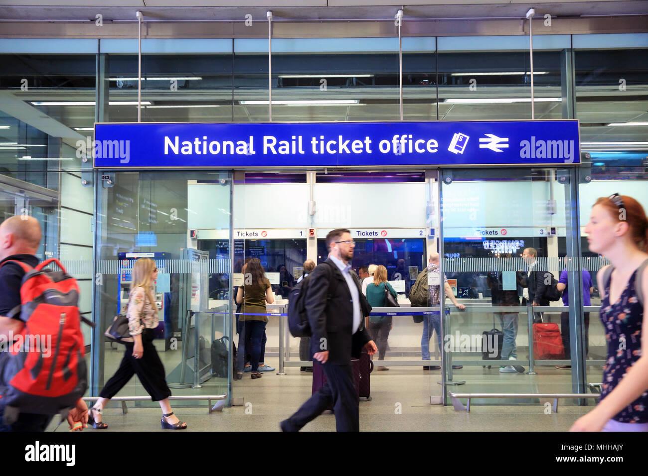National Rail Stock Photos & National Rail Stock Images - Alamy
