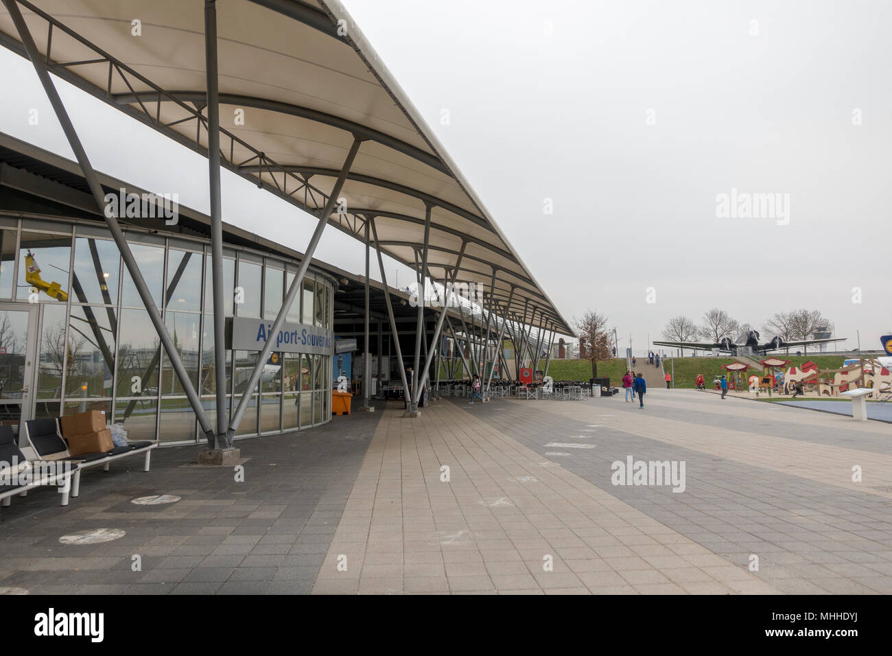 The Visitors Centre in the Visitors Park at Munich Airport, (Besucherpark des Flughafen München), Munich, Germany. - Stock Image
