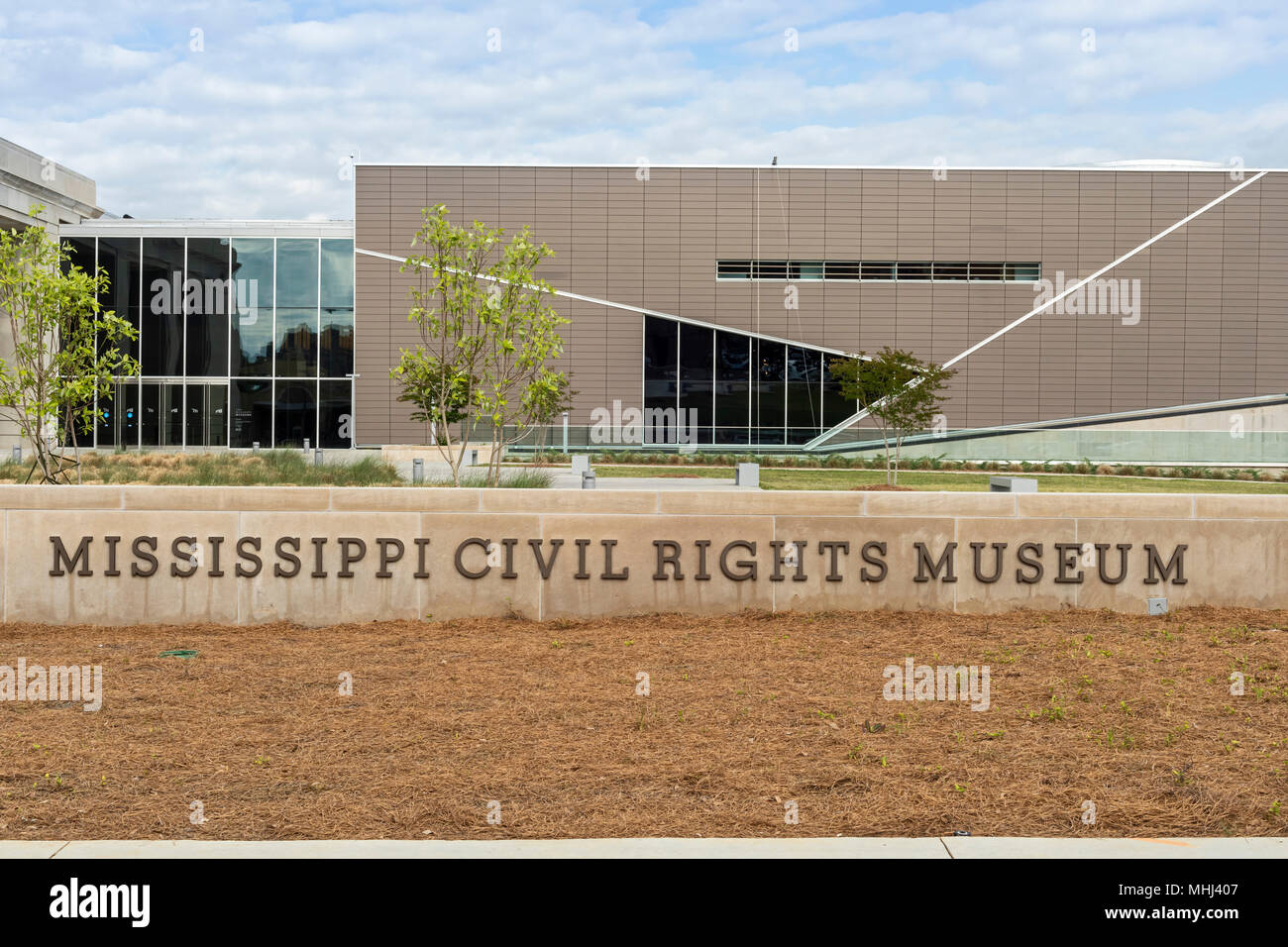 the state of mississippi and the civil rights movement A civil rights movement in 1964, named freedom summer, was a campaign launched to get blacks in the southern united states registered to vote.