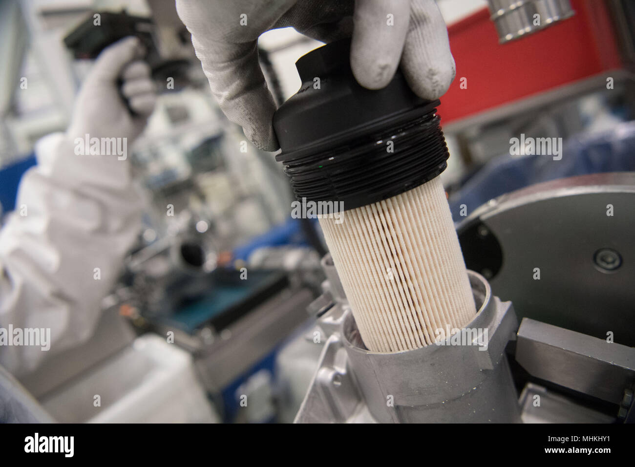 Fuel Filter Stock Photos Images Alamy Deisel Mann Bases 17 April 2018 Germany Ludwigsburg A Staff Member Of Automotive Supplier And Car
