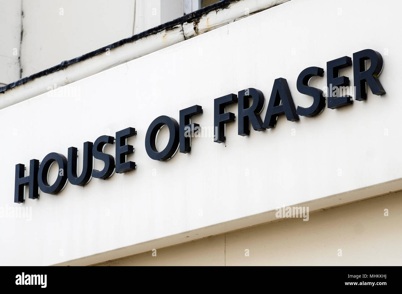 House of Fraser, Leamington Spa, UK, one of 31 stores due for closure. House of Fraser announces store closures, a Company Voluntary Arrangement,  and a new majority owner in latest restructuring plan. Hundreds of jobs are at stake throughout the chain's 59 stores. CBanner, a Chinese retail business which owns Hamleys, will take a new 51% stake, with former Chinese majority shareholders Nanjing Cenbest retaining a minority share. Credit: Antony Nettle/Alamy Live News - Stock Image