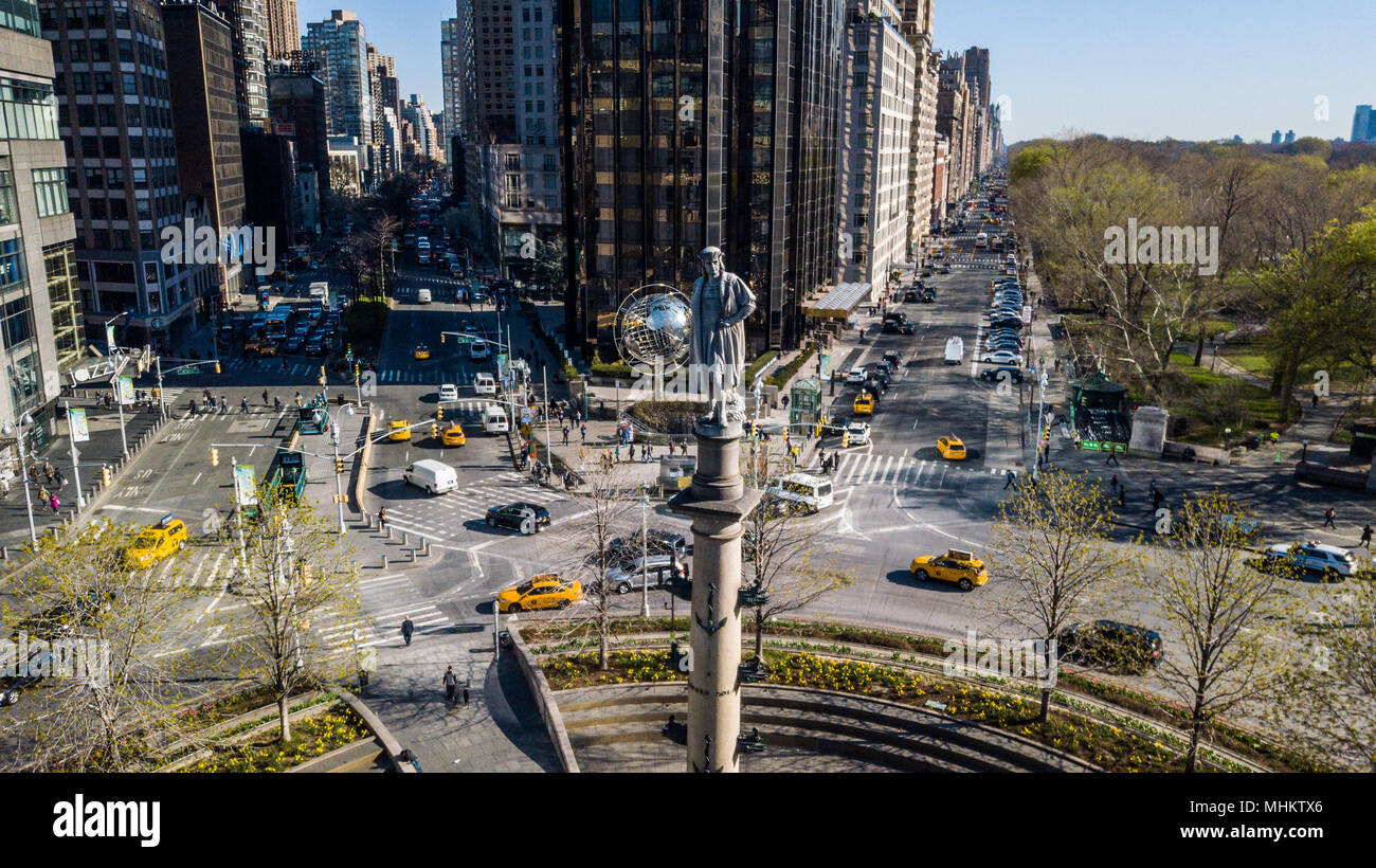 Statue of Christopher Columbus by Gaetano Russo in the middle of Columbus Circle, Manhattan, New York City - Stock Image