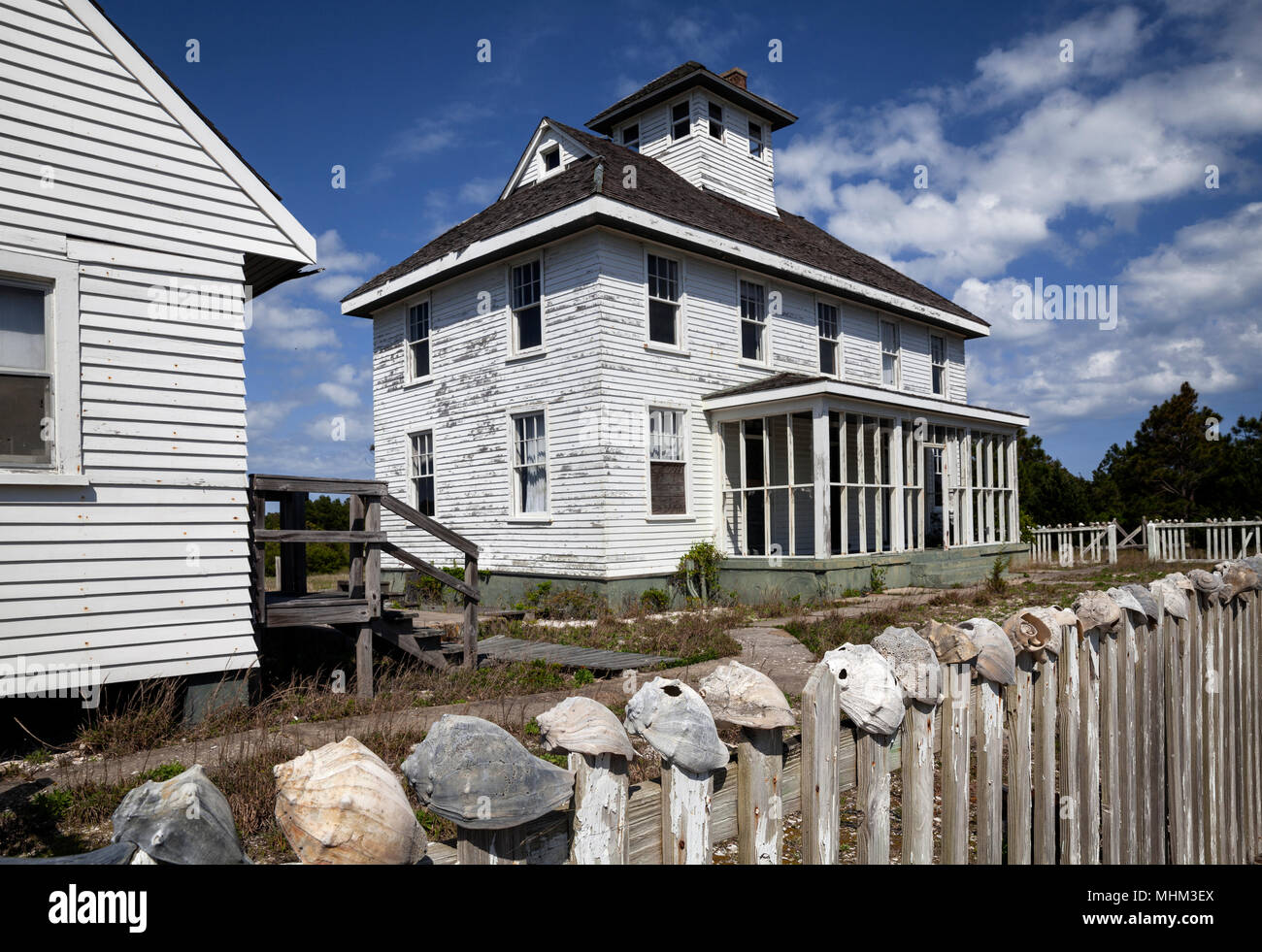 NC01540-00...NORTH CAROLINA - Old Coast Guard Station on South Core Bank in Cape Lookout National Park. - Stock Image