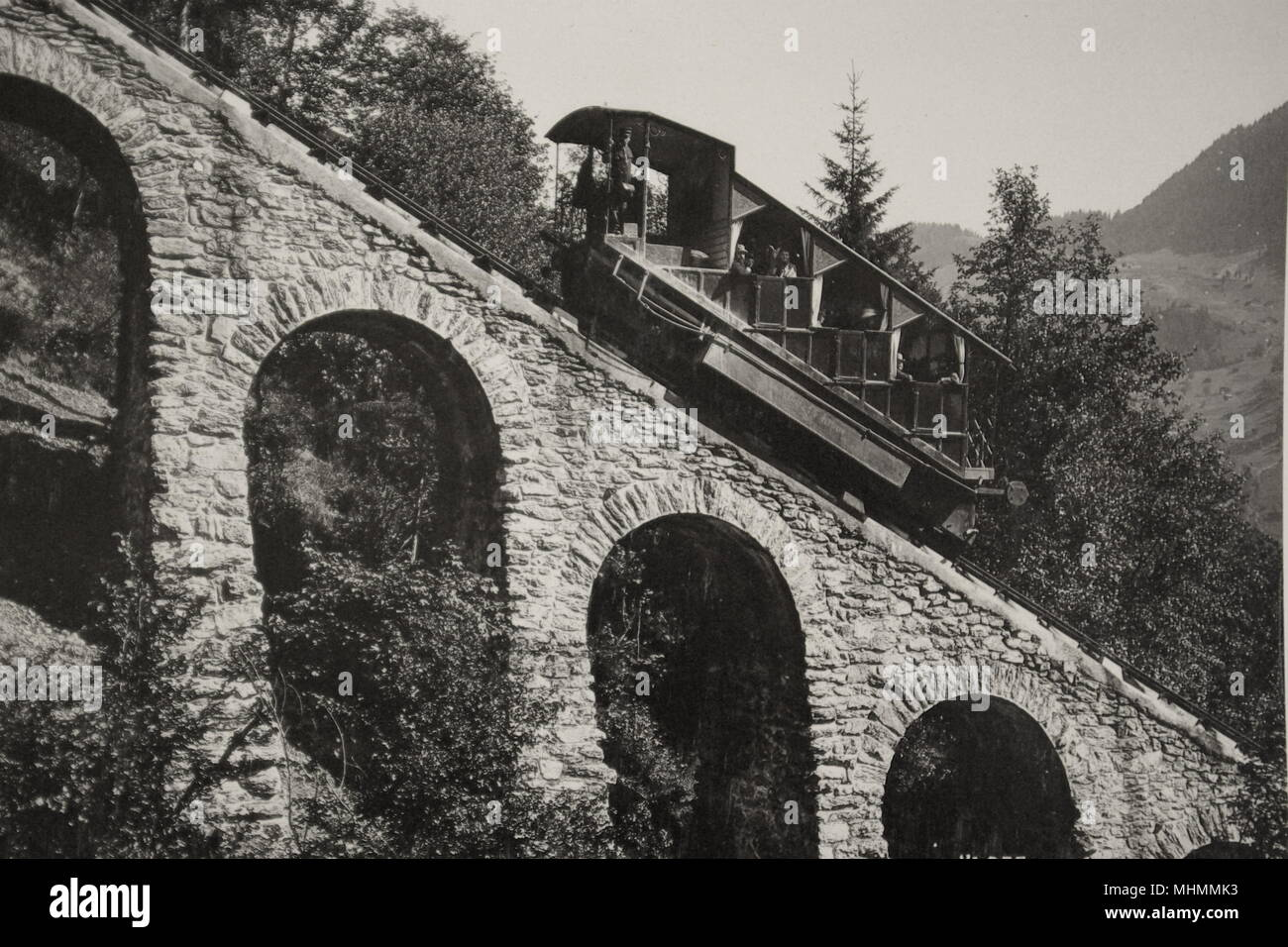A funicular railway operating on the Grand Viaduct at Murren in Switzerland.  From the archives of the Gloucester Coach and Wagon Works in the Gloucester Record Office.      Date: circa 1900 - Stock Image