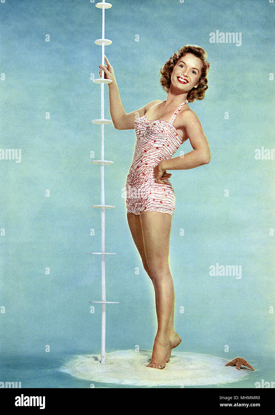 DEBBIE REYNOLDS (Mary Frances Reynolds) American TV and film actress, in bikini.      Date: 1944-1955 - Stock Image
