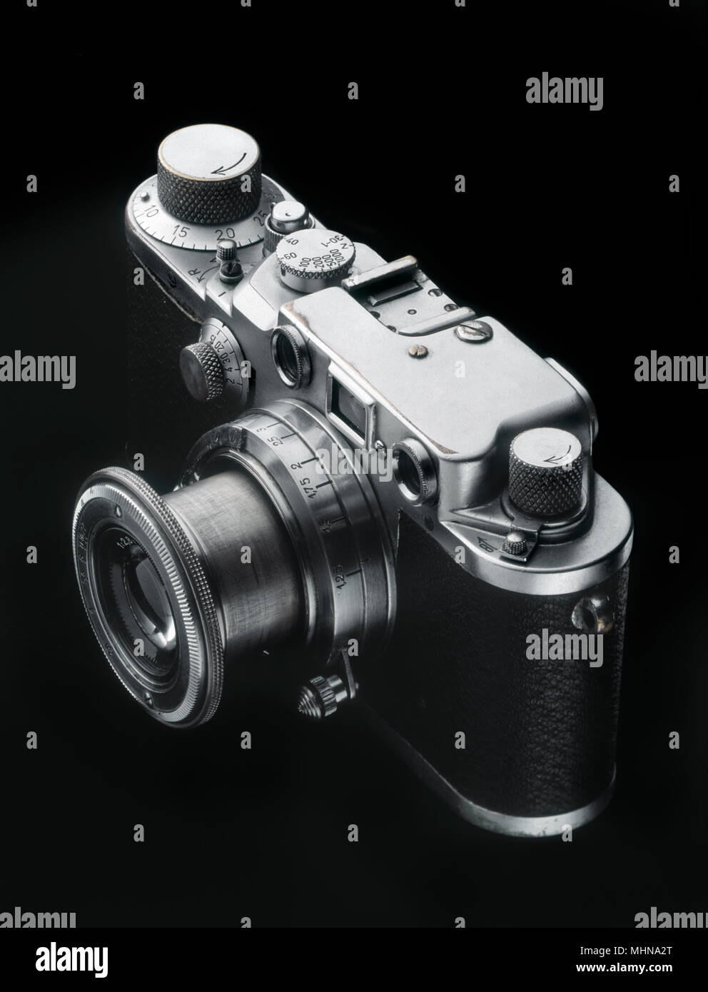 Old rangefinder camera from the forties - Stock Image