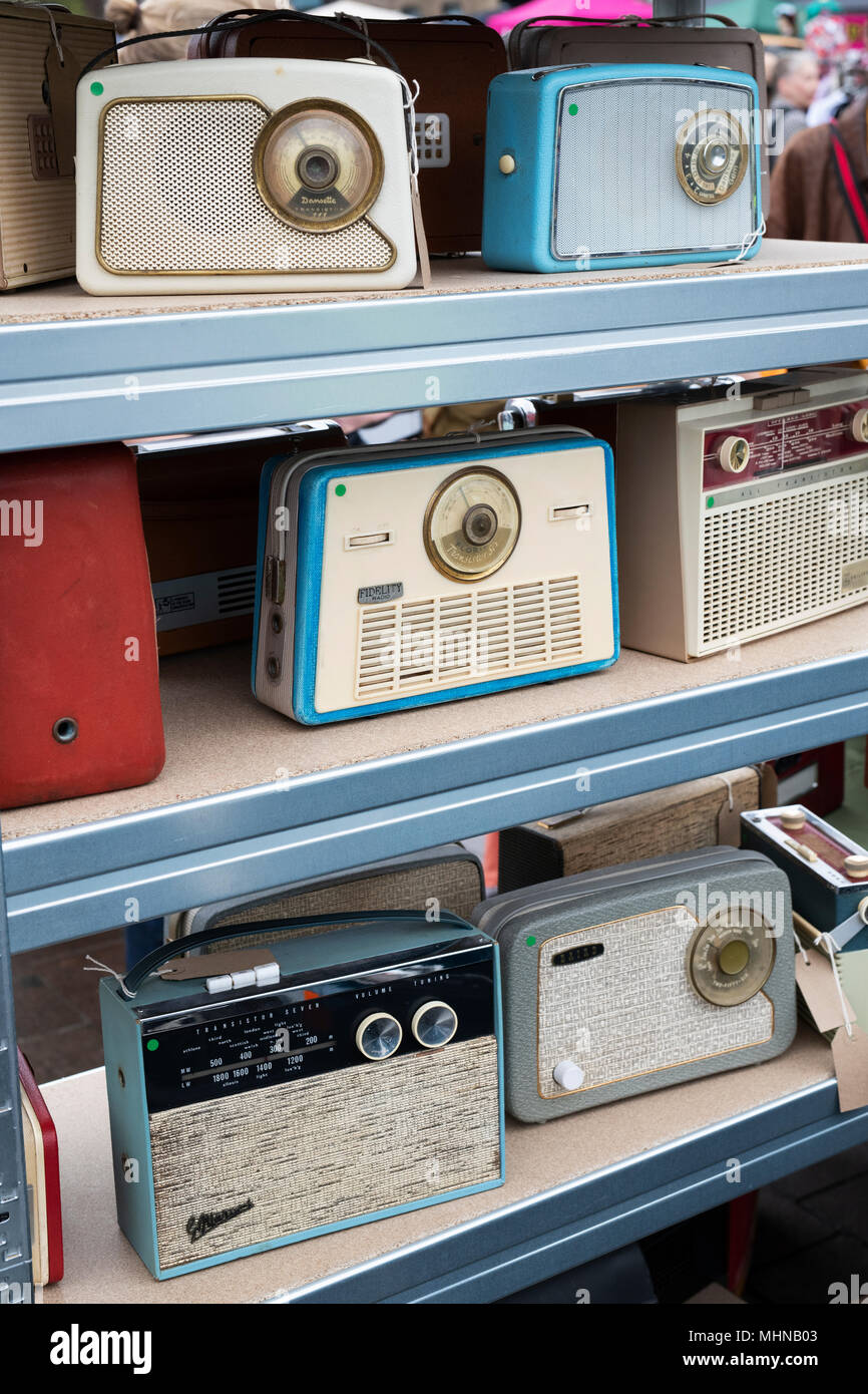 old radios stock photos old radios stock images alamy. Black Bedroom Furniture Sets. Home Design Ideas