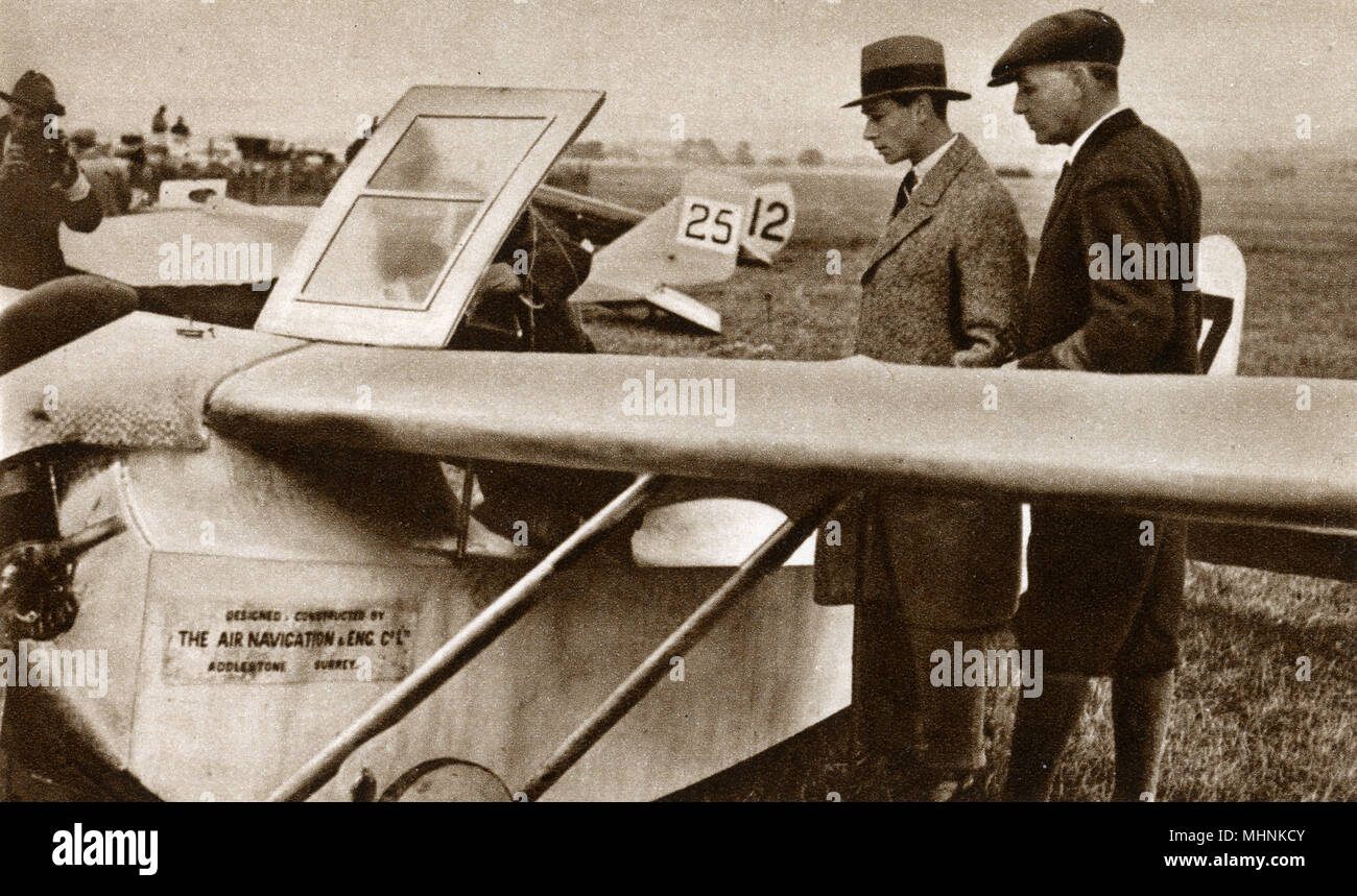 Albert, Duke of York (1895-1952) (later King George VI) with Sir Samuel Hoare (1880-1959) (later Viscount Templewood) at a glider meeting at the Lympne Aerodrome, Kent.     Date: 1923 - Stock Image
