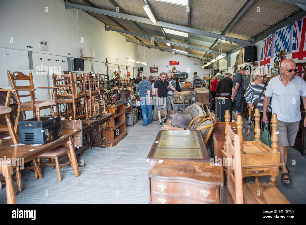 bargain hunting at auction - Stock Image