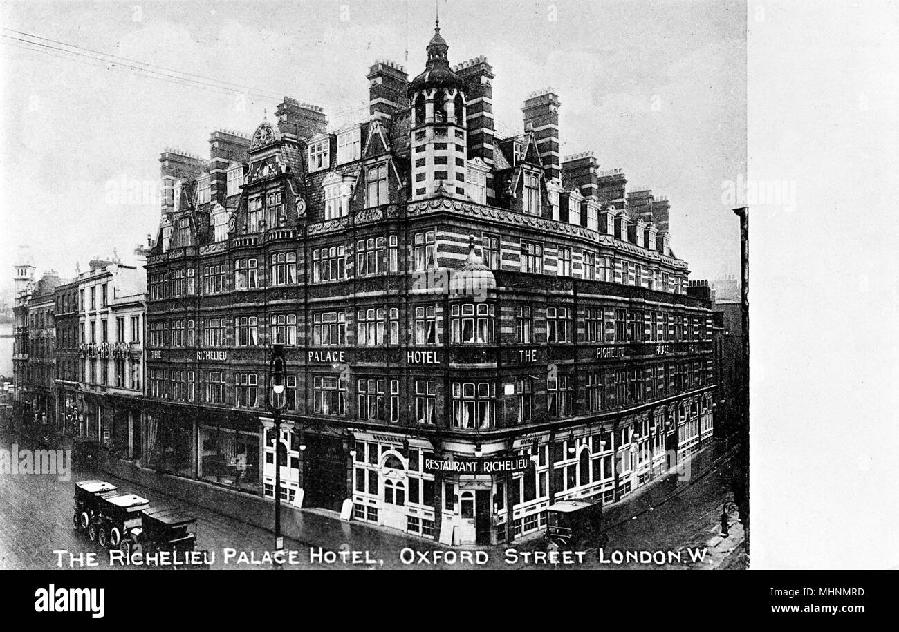 Richelieu Palace Hotel and Restaurant, Oxford Street, Central London.      Date: circa 1900 - Stock Image