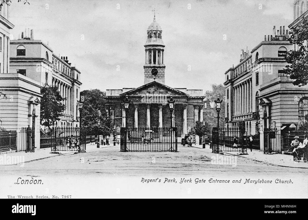York Gate and Marylebone Church, Regents Park, London.      Date: circa 1905 - Stock Image