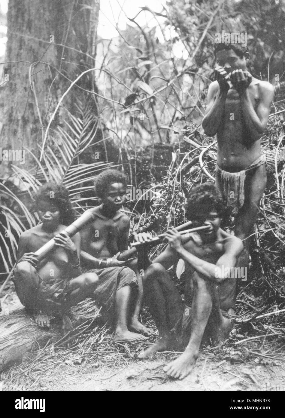 MALAYSIA. The Malay Peninsula. Primitive Jungle Music; wild Sakai of Perak 1900 - Stock Image