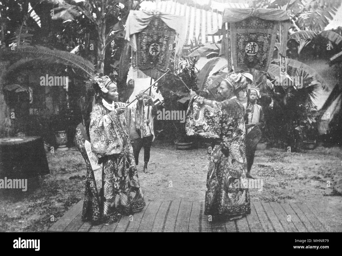 VIETNAM.French Indo-China.A Battle Annamese stage; 2 high Mandarins princes 1900 - Stock Image