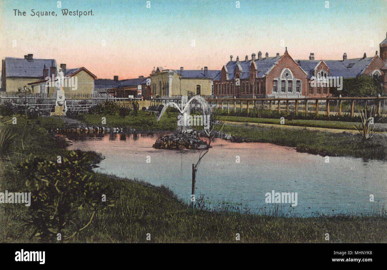 The Square, Westport, South Island, New Zealand, with South African war memorial and fountain.      Date: circa 1908 - Stock Image