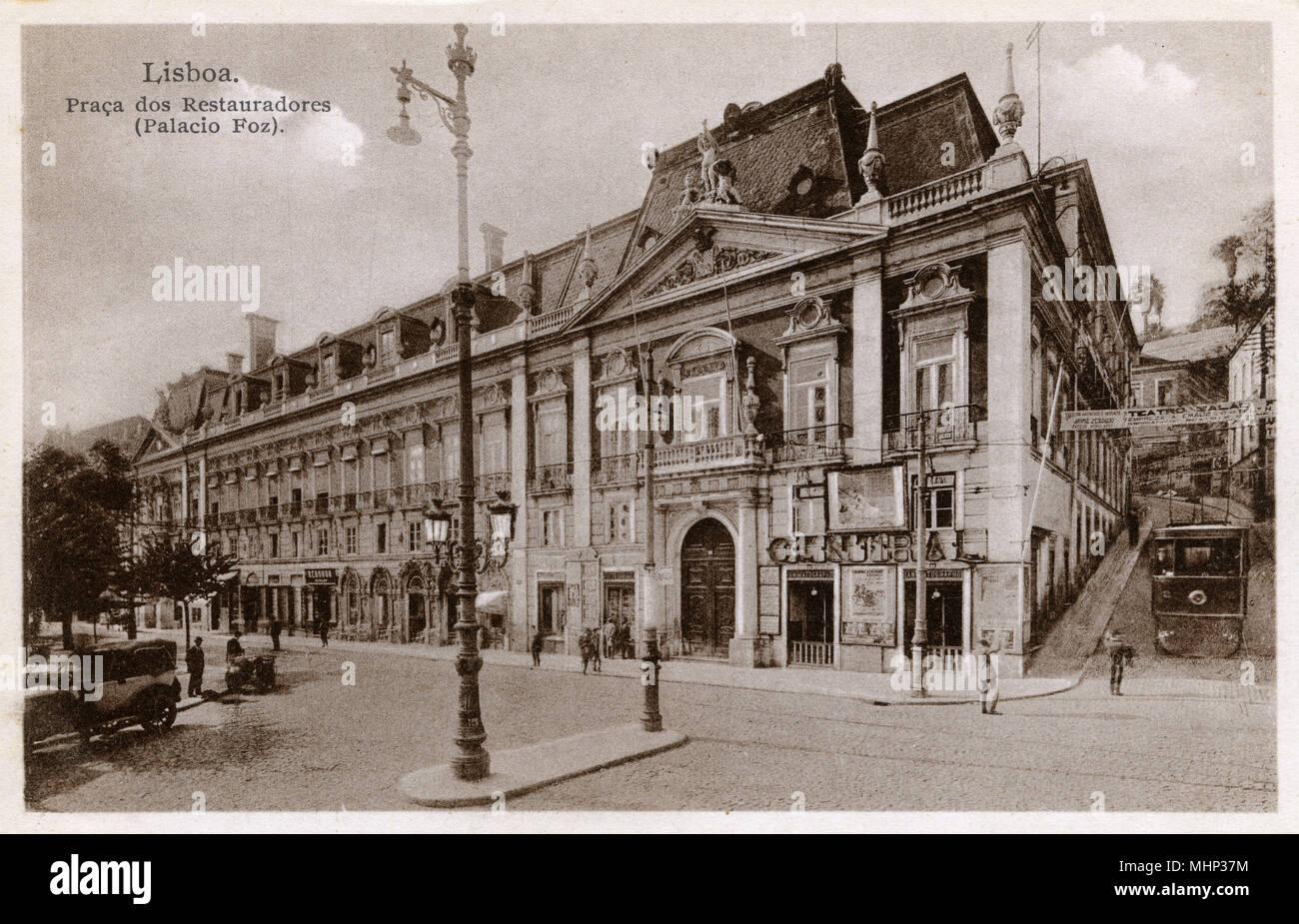 Palacio Foz, Praca dos Restauradores (Restoration Square), Lisbon, Portugal.      Date: circa 1910 - Stock Image