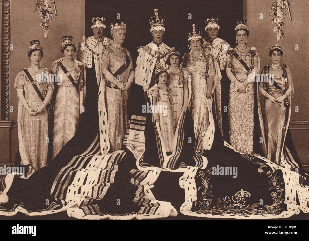 CORONATION 1937. Official group photo. King George VI Queen Princesses 1937 - Stock Image