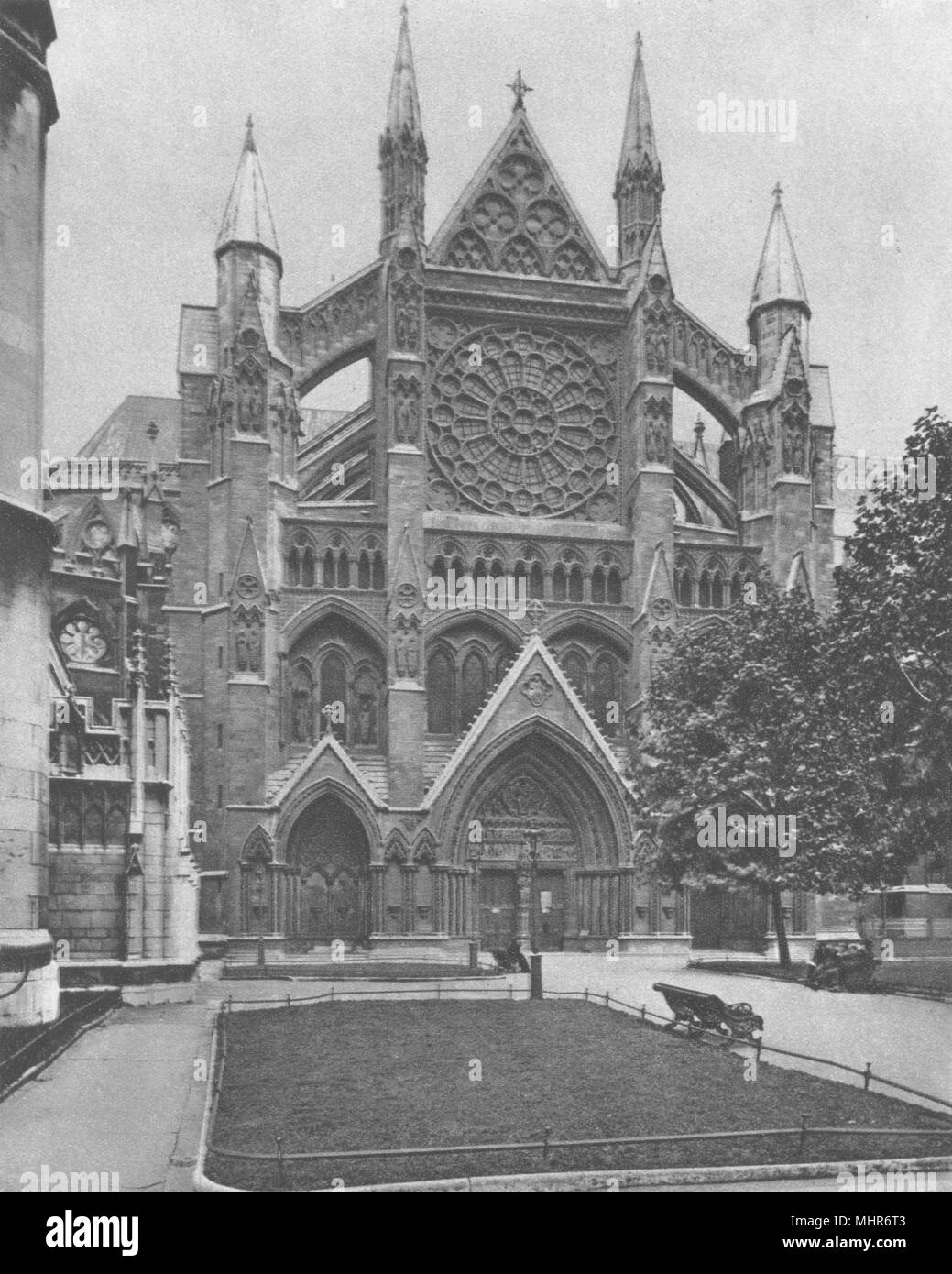 WESTMINSTER ABBEY. North front and the main entrance to the Abbey 1926 print Stock Photo