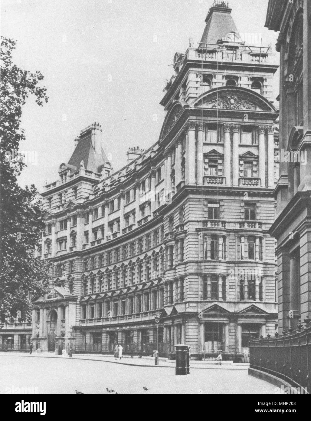 FINSBURY CIRCUS. Salisbury house. Palatial business premises in the city 1926 - Stock Image