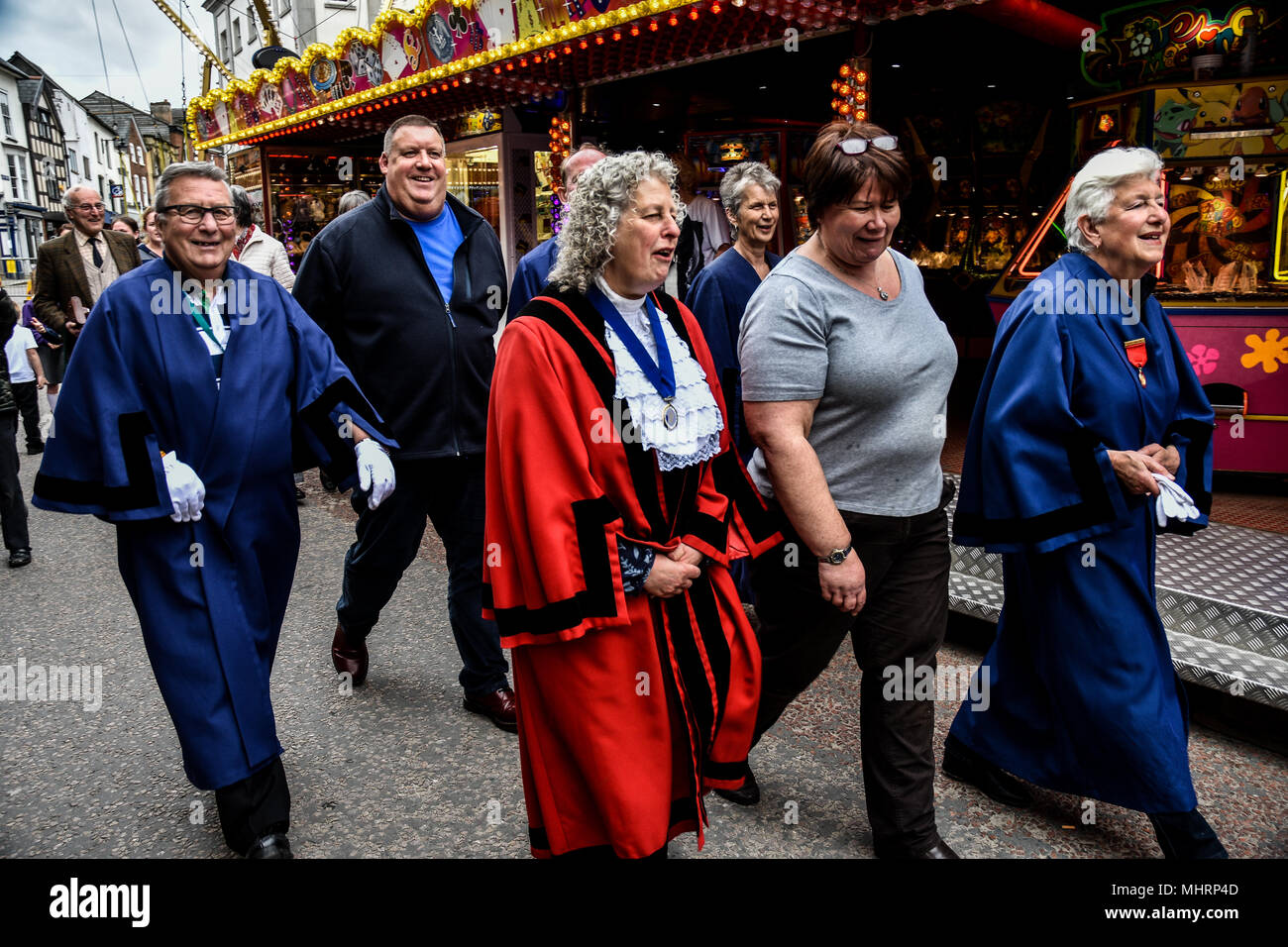 LEOMINSTER, UNITED KINGDOM - MAY 03. Leominster Mayoress Jenny Bartlett walks through the fair with Joanne Morris one of the organisers of the fair during the opening ceremony in Leominster on May 3rd, 2018. Credit: Jim Wood/Alamy Live News - Stock Image