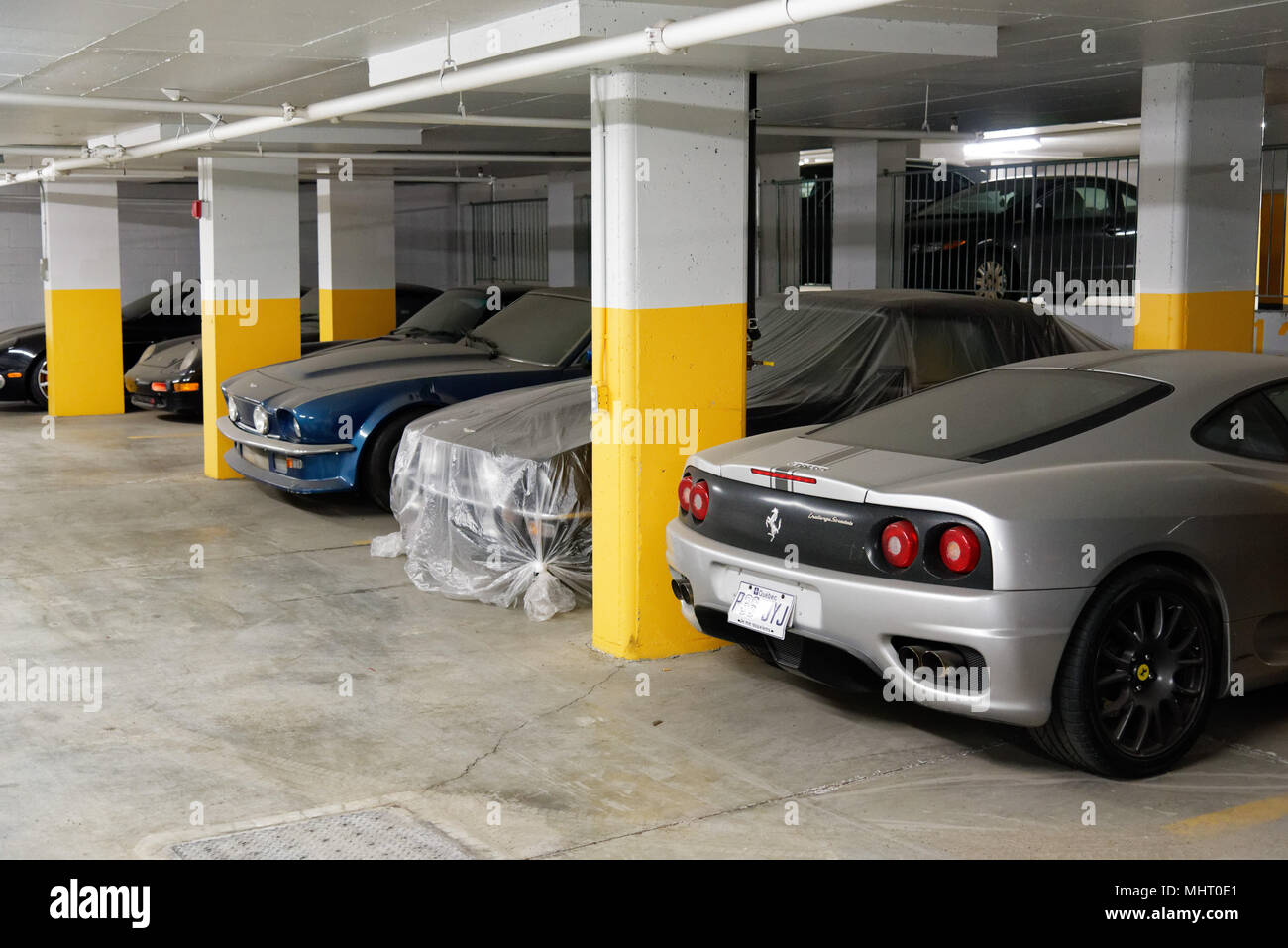 ferrari laferrari quebec with Luxury Cars Park on Supercar likewise Excursion A La Montagne En F40 additionally Ferrari also Audi A8 Extended Stretched Fit Extended Family further Supercar.