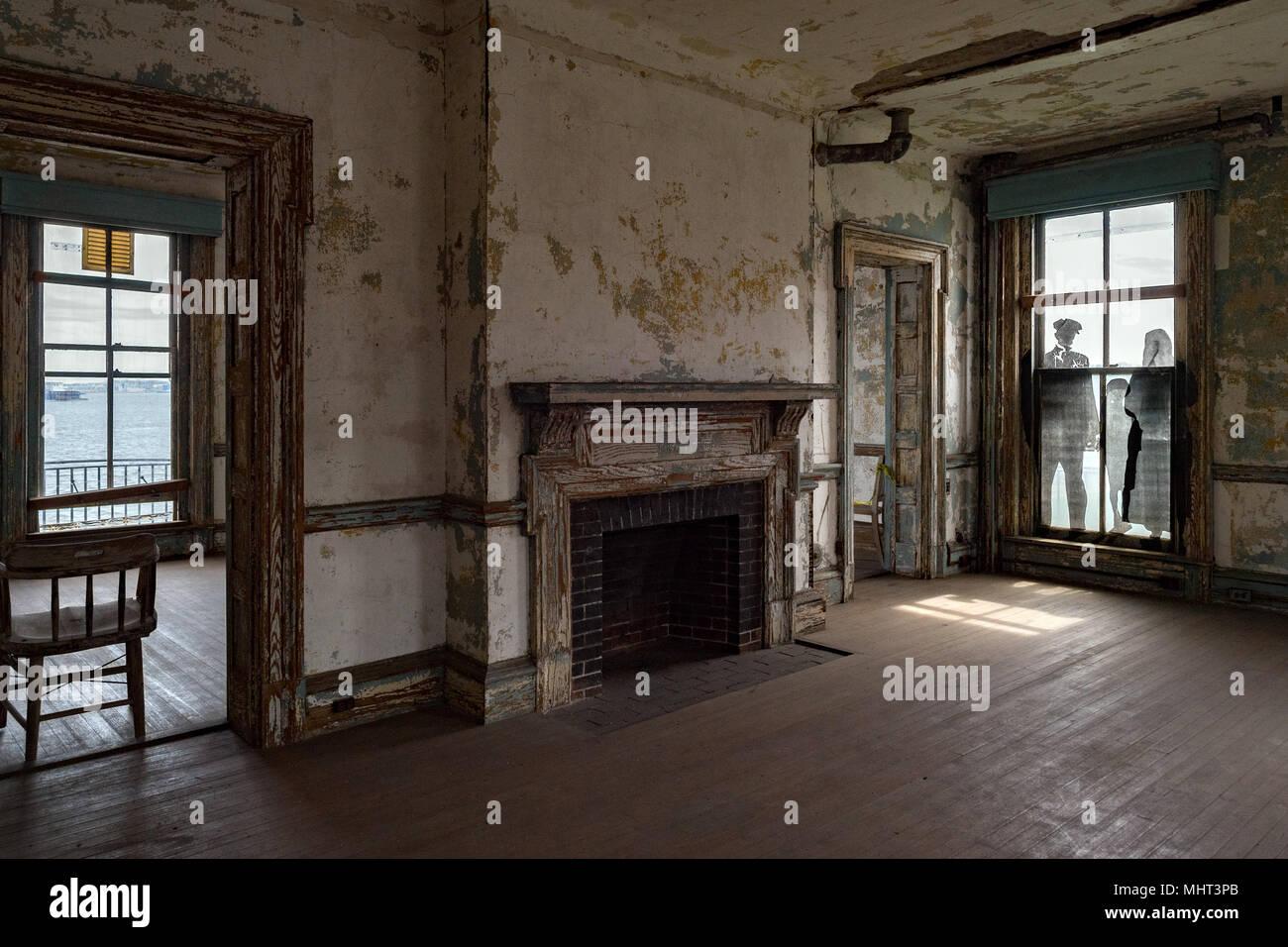 ellis island abandoned psychiatric hospital interior rooms ...