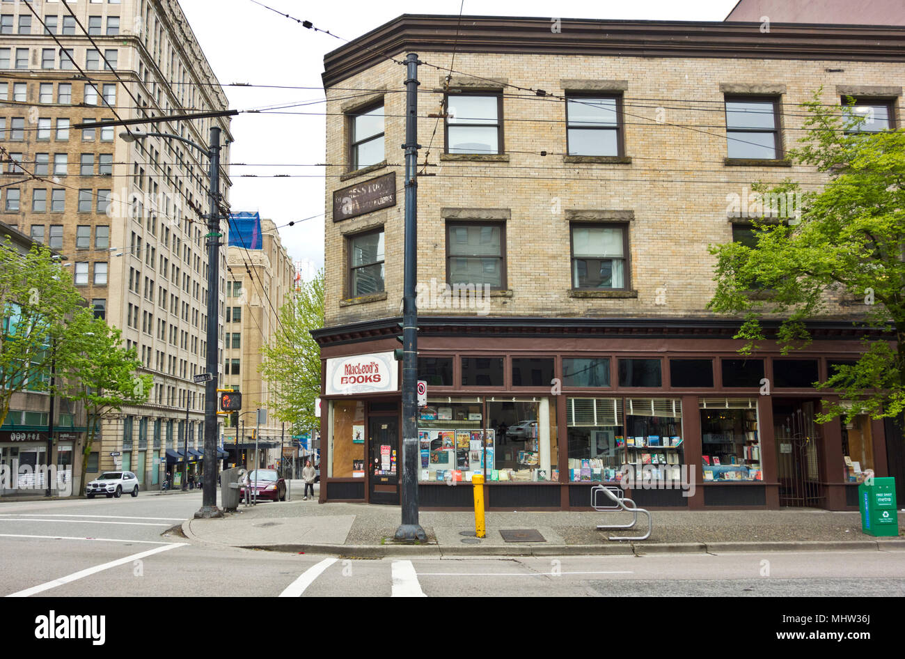 MacLeod's bookstore in downtown Vancouver at the corner of Richards Street and West Pender  Street. MacLeods books Vancouver. - Stock Image