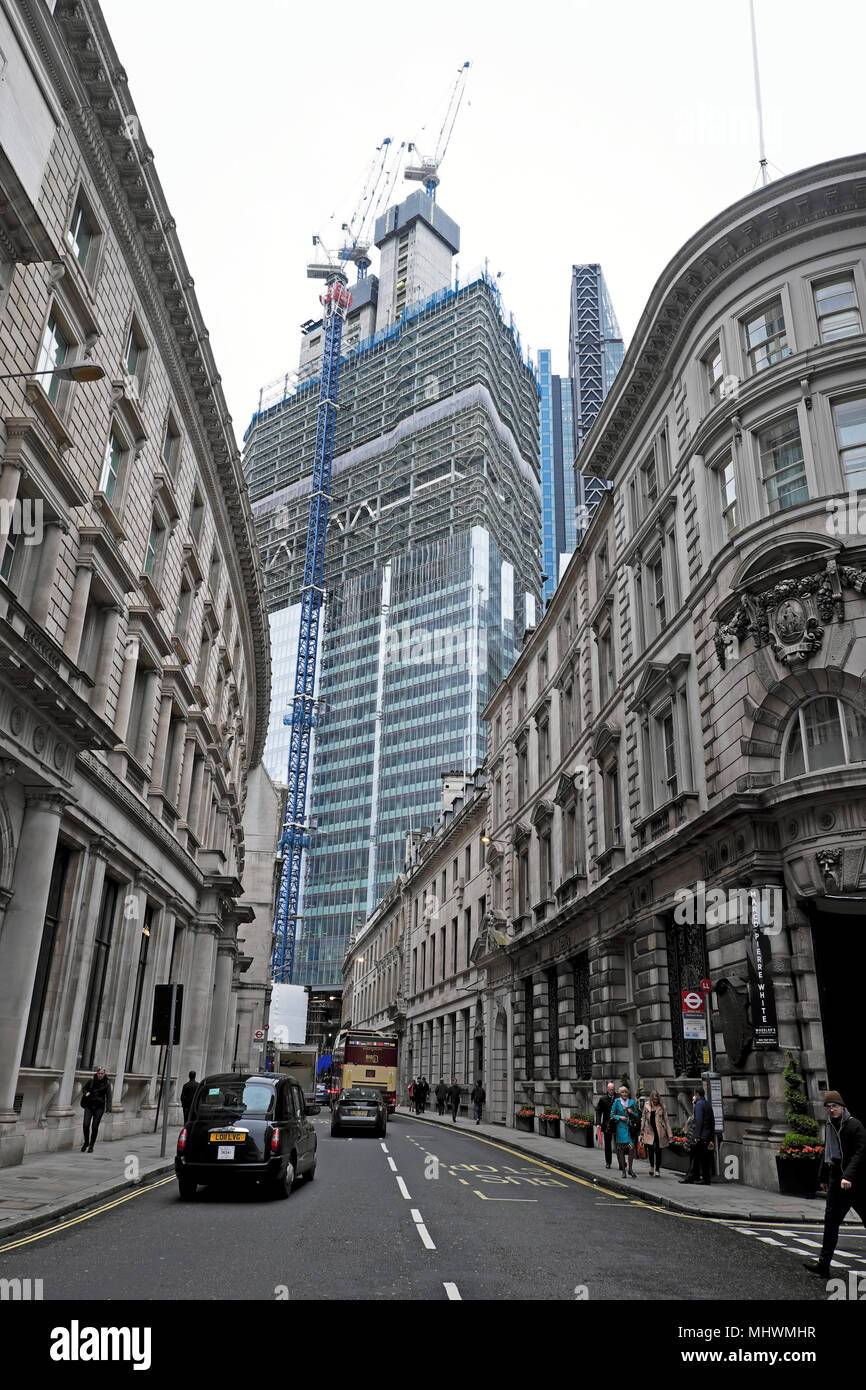 View of 22 Bishopsgate a skyscraper replacing the Pinnacle building under construction from Threadneedle Street in the City of London UK KATHY DEWITT - Stock Image