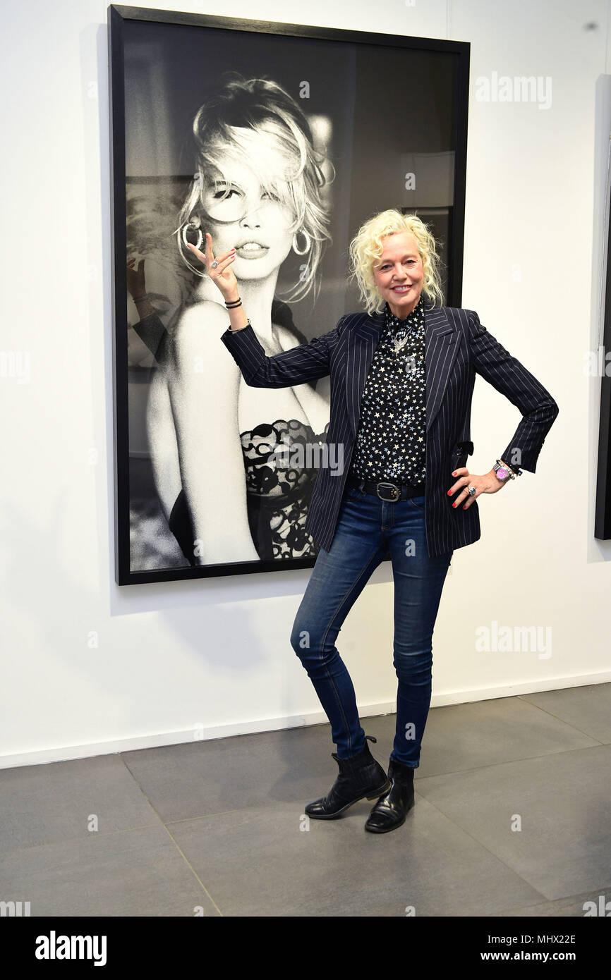 Ellen von Unwerth Nude Photos 70