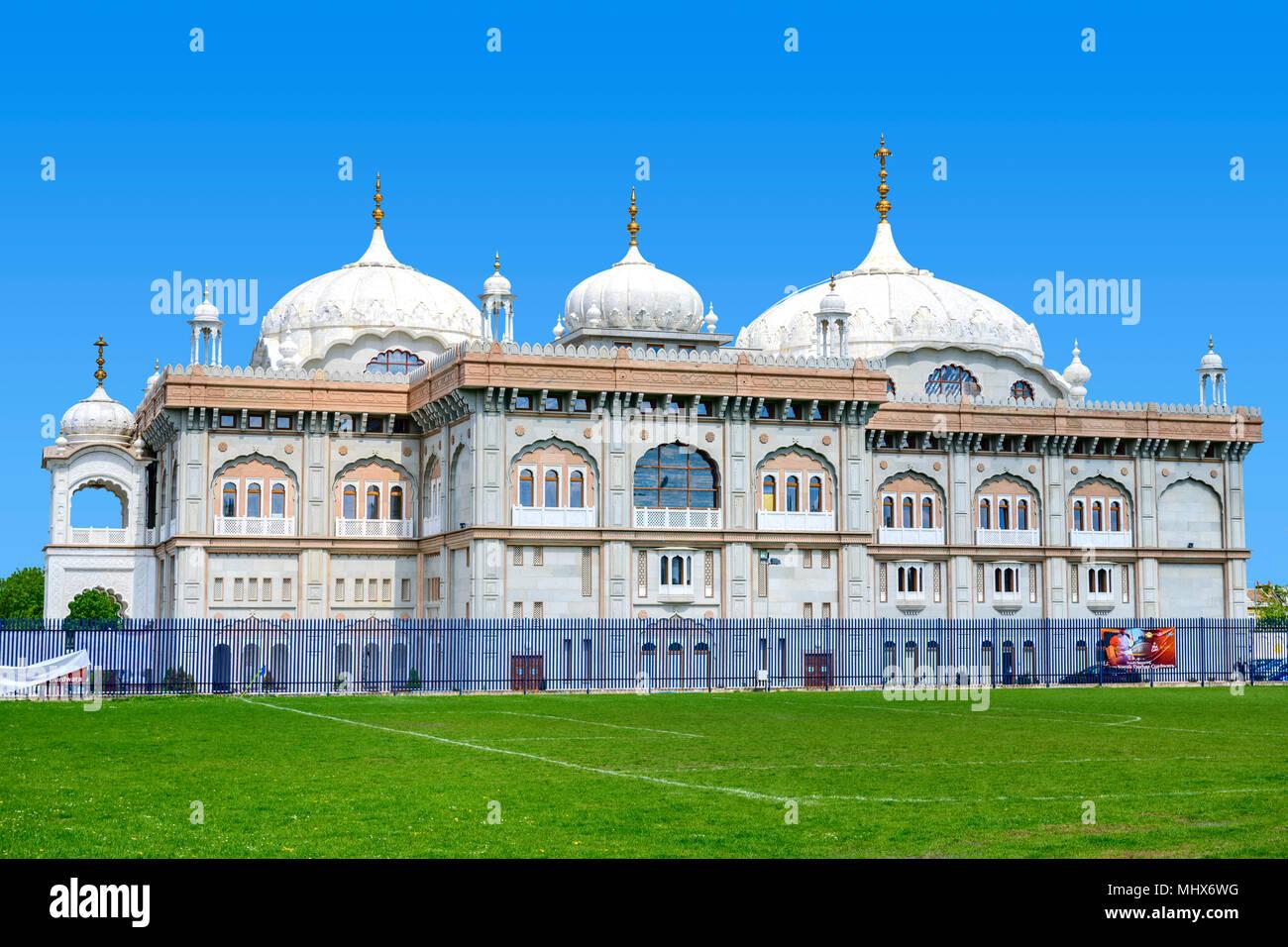 Guru Nanak Darbar Gurdwara, the magnificent sikh temple ( Gurdwara )  in Gravesend Kent - Stock Image