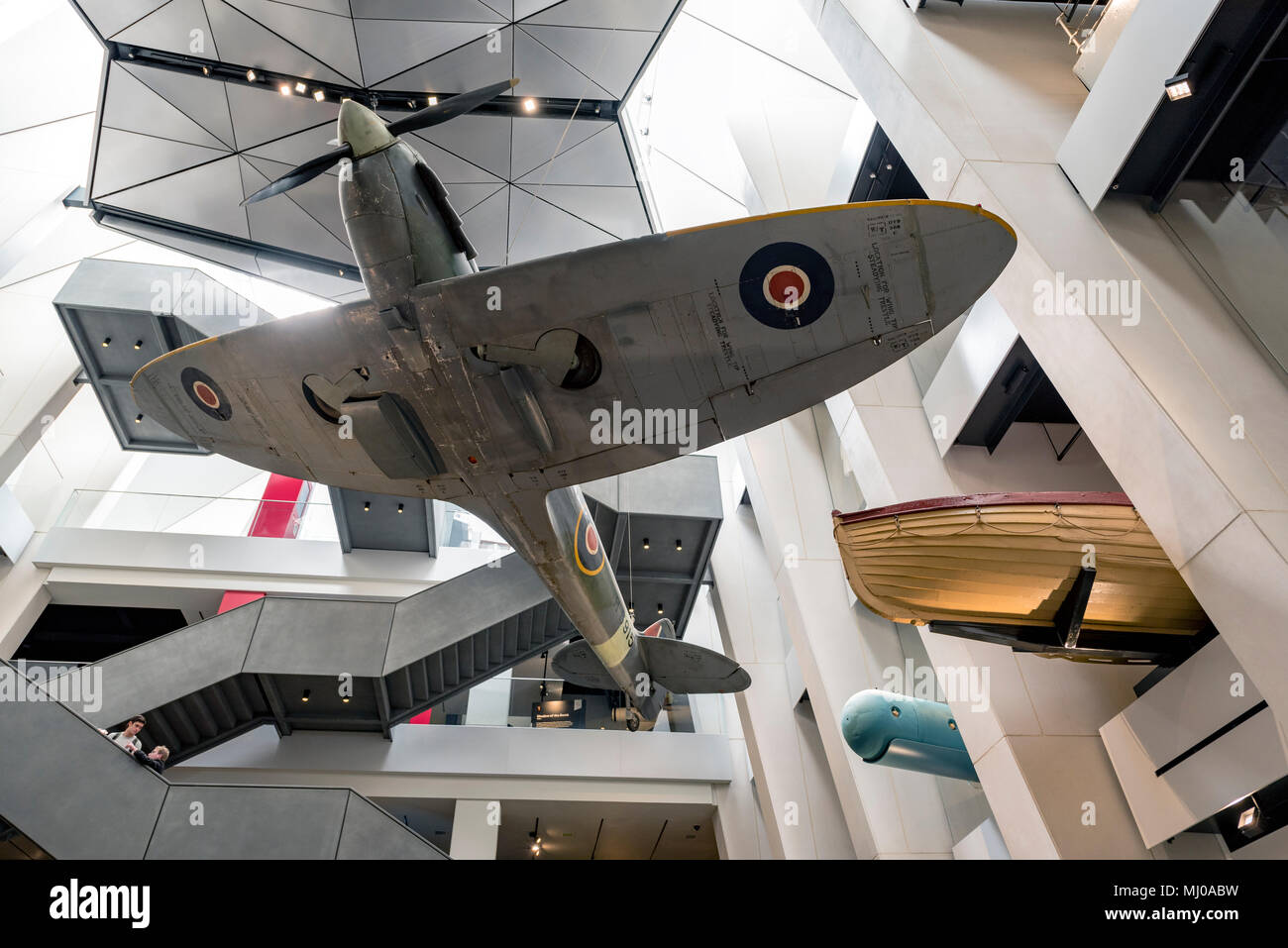 spitfire-on-display-at-the-imperial-war-