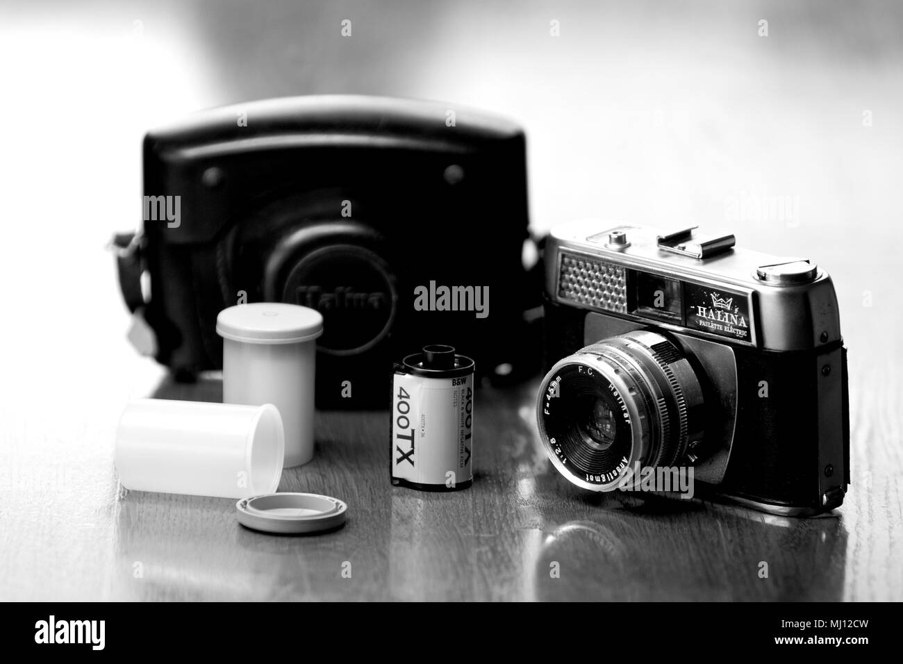 A 35mm Halina Paulette Electric Camera c1967. - Stock Image