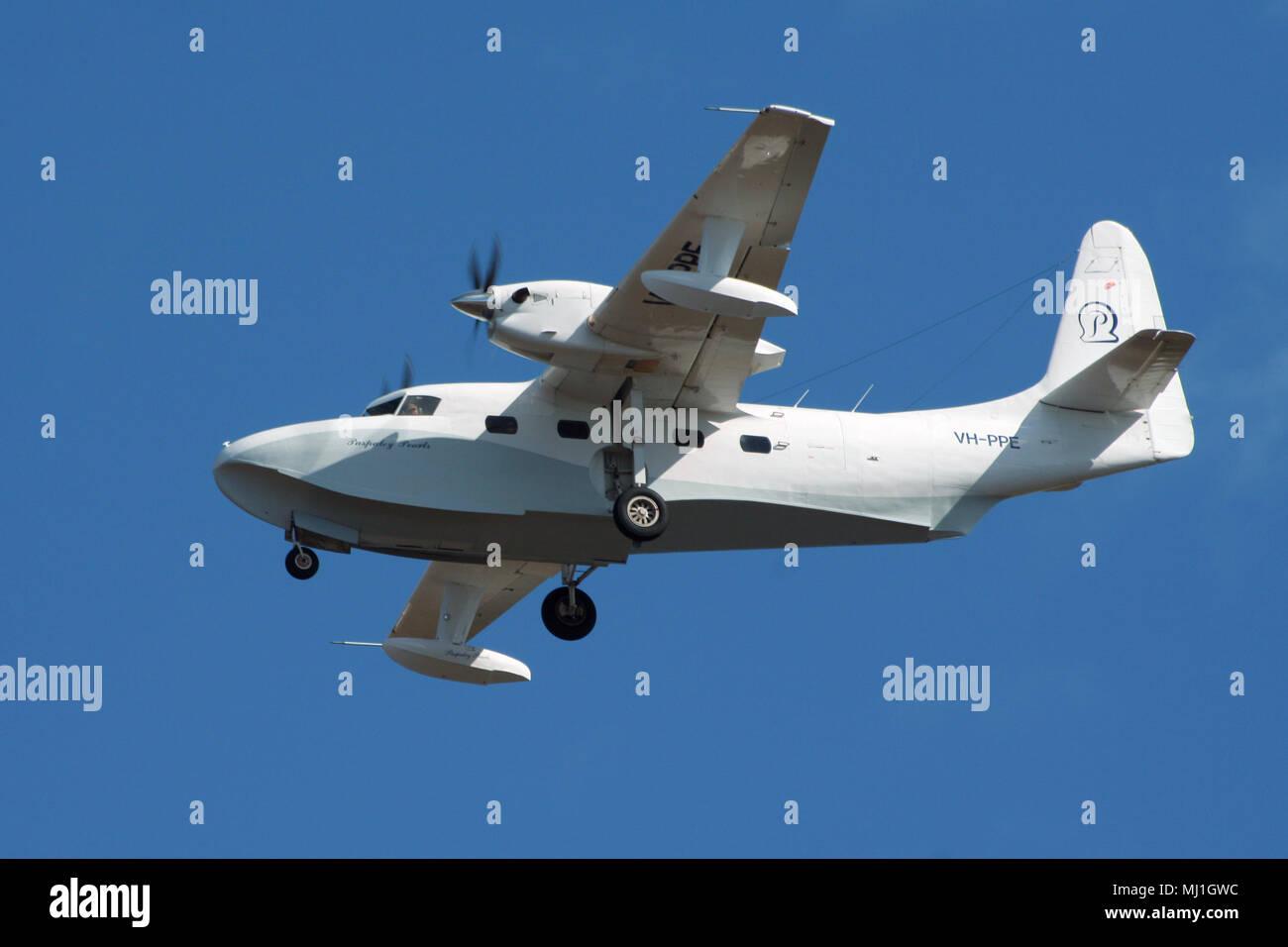 DARWIN, AUSTRALIA - JUL 7, 2006: Grumman G-73T Turbo Mallard twin-engined amphibious plane from Paspaley Pearls (Pearl Aviation) landing on Darwin Air - Stock Image