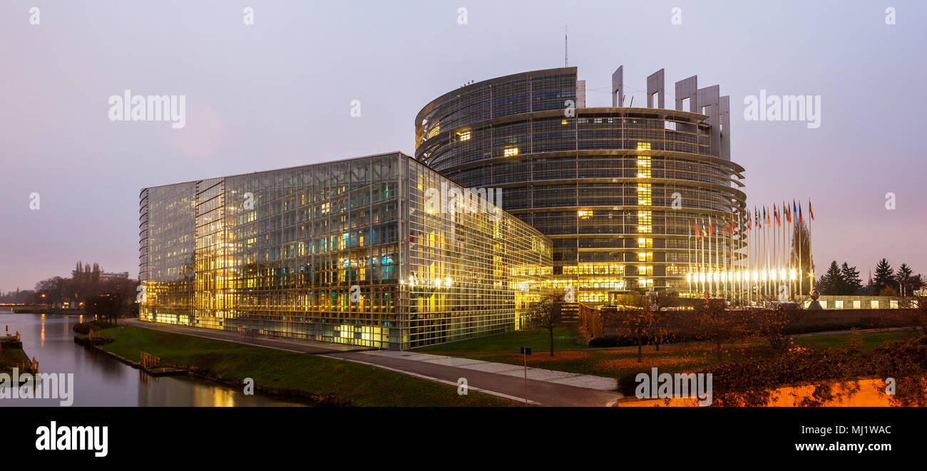 Building 'Louise Weiss' of European Parliament in Strasbourg, Al - Stock Image